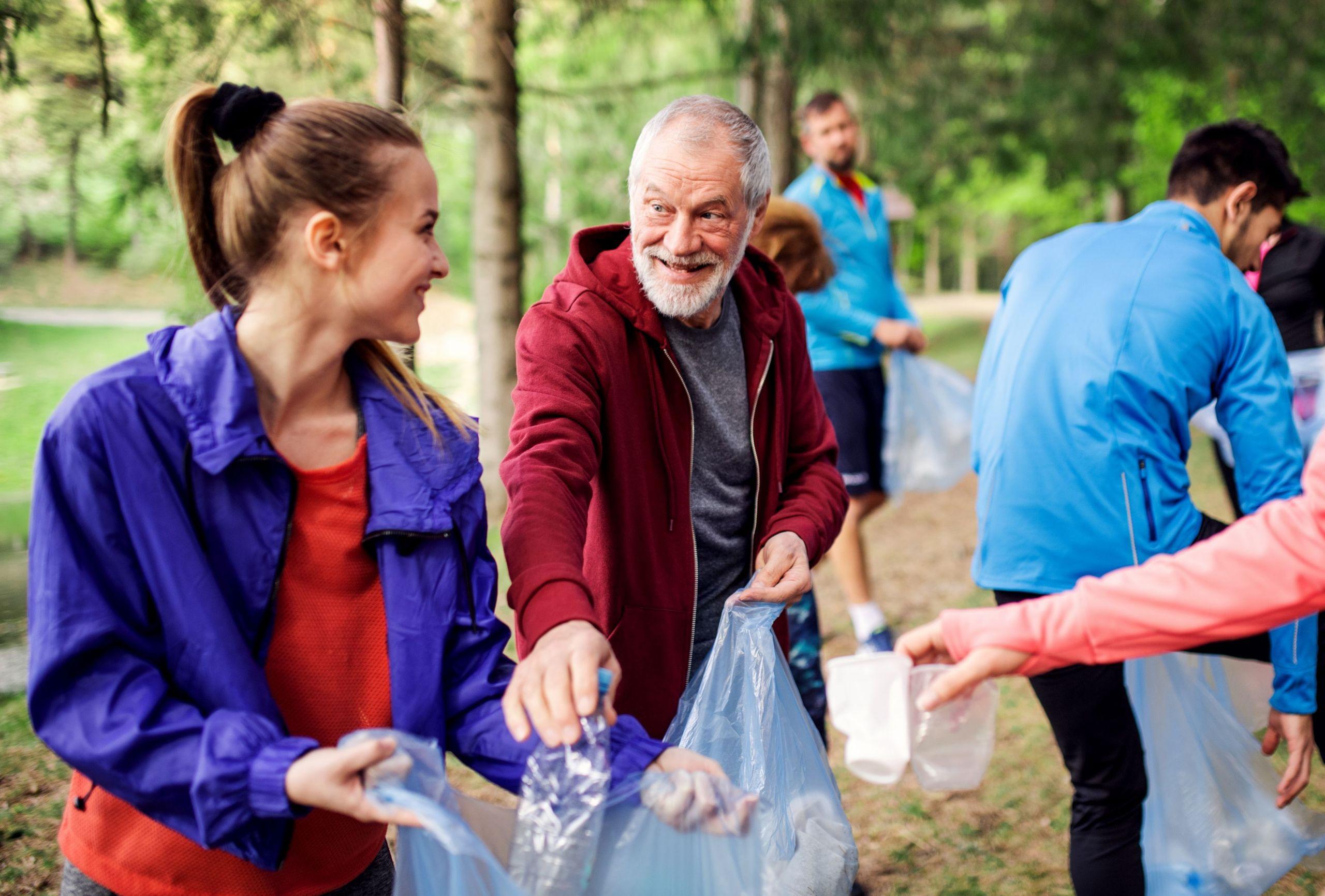 volunteering at summit pointe senior living